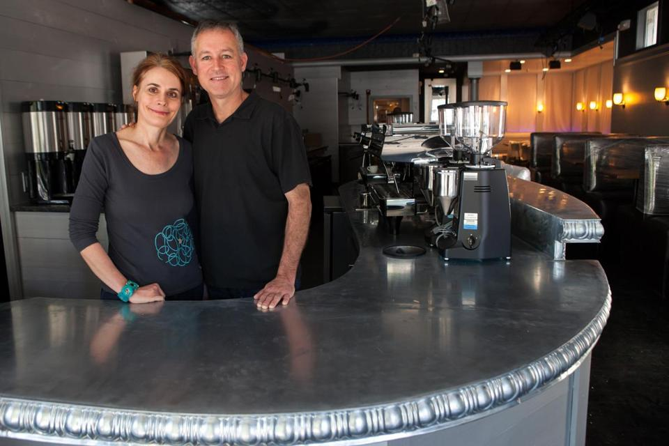 Beetlebung owners Renee and John Molinari say they wanted to appeal to young, professional tourists and residents who want upscale casual restaurants similar to those in Boston and New York City.